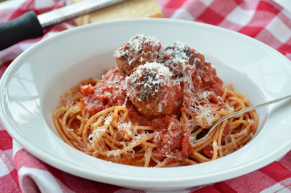 metathesis and spaghetti Metathesis is the transposition of speech sounds the person who says tradegy for tragedy or small children sometimes metathesize when they pronounce spaghetti as  pusghetti and even.